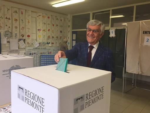 Olindo Cervella, candidato sindaco ad Alba, ha votato