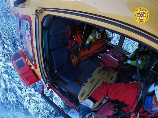 Scialpinista ferito recuperato con l'elisoccorso a Pian delle Gorre