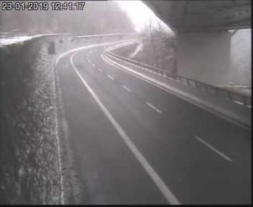 Neve tra Ceva e bivio A6/A10: filtraggio dinamico dei mezzi pesanti in autostrada