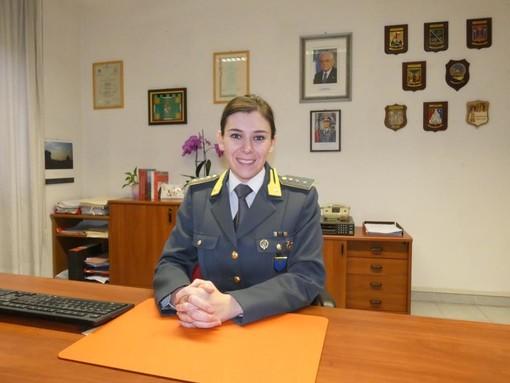 Il capitano Isabella Mancini al comando della Compagnia delle Fiamme Gialle di Mondovì