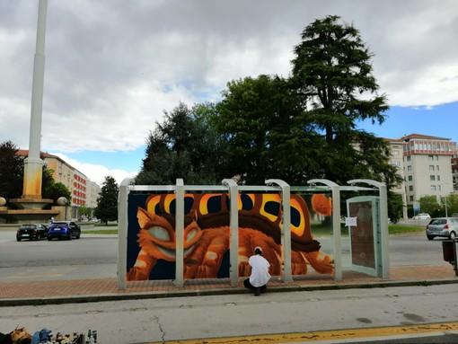 Tre fermate degli autobus di Cuneo trasformate in opere d'arte