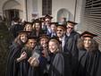 Studenti in festa alla cerimonia dello scorso anno (fonte Unisg)