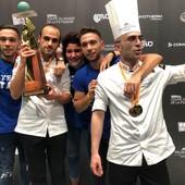 I gemelli Lorenzo e Matteo Marchisio festeggiano la vittoria della Coppa del Mondo di Pasticceria a Lione