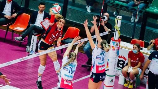 Gaia Giovannini, qui in azione contro l'Igor Gorgonzola Novara, è stata la top scorer biancorossa a Monza (credit Creattiva Agency)