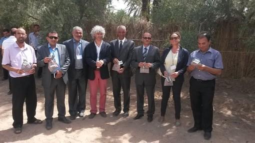 Roberto Cavallo con i rappresentanti della municipalità di Degache nella prima fase del progetto sperimentale