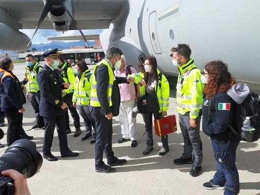 Maxiemergenza Covid 19: partita da Torino la missione italiana che porterà ossigeno all'India