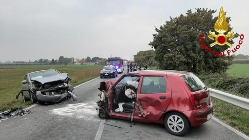 Incidente tra due auto e un camion in frazione Termine di Villafalletto: un ferito grave