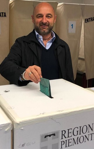 Il candidato alle regionali Mario Canova ha dato il suo voto