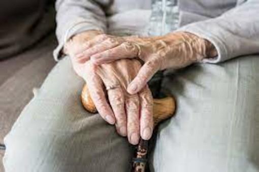 """Giovanna, in casa di Riposo a Cuneo, attende... """"Perché non si possono andare a trovare gli anziani vaccinati?"""""""