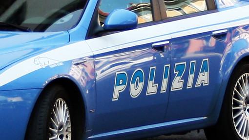 Nascondeva 1.560 euro nelle suole delle scarpe: arrestato per detenzione di stupefacenti
