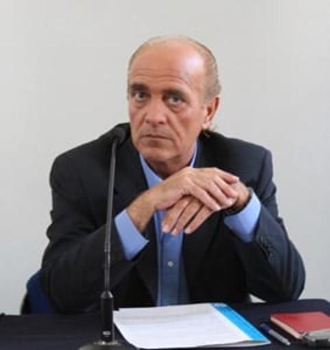 """Marco Poli, storico docente di matematica e scienze della Media """"Dalla Chiesa"""""""
