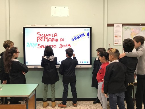 Nuovo monitor interattivo per la scuola primaria di Saliceto