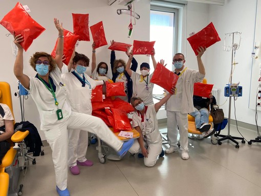 """L'Ospedale di Verduno si tinge dei colori dell'estate, grazie all'associazione """"Noi come te"""""""