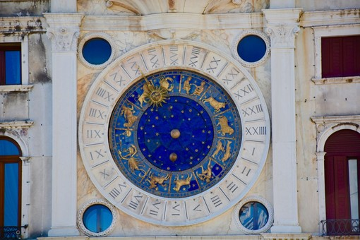 Cosa dicono le stelle? L'oroscopo di Corinne dal 15 al 22 maggio