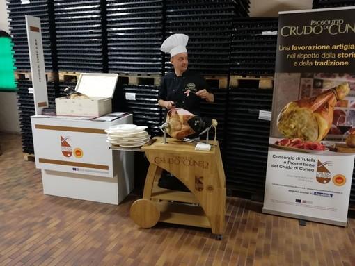 Il prosciutto crudo di Cuneo Dop in degustazione a Torino con il Re dei Vini