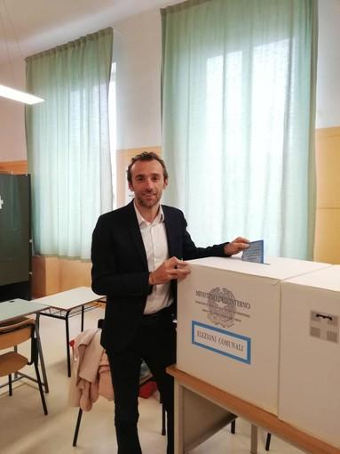 Sergio Panero candidato a sindaco di Bra ha votato