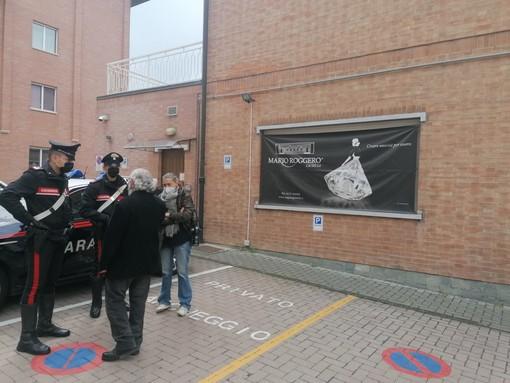 La gioielleria di Mario Roggero a Gallo Grinzane. Il tentativo di rapina del 28 aprile è finito in tragedia, con due rapinatori uccisi e uno ferito