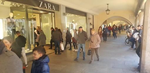 Da oggi al via i saldi invernali: anche in provincia di Cuneo, per 8 settimane, sarà caccia all'affare (FOTO)