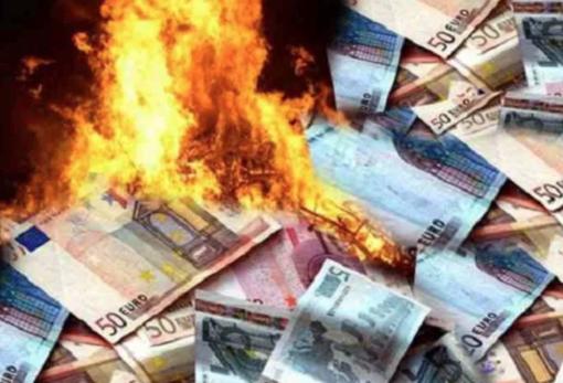 """Condannato il """"falso broker"""" di Vercelli: tra le sue vittime anche una donna cuneese truffata per quasi un milione di euro"""