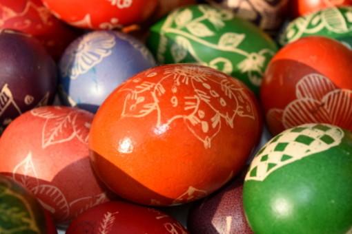 """Uova colorate per la """"festa delle feste"""": è la Pasqua ortodossa che si festeggia oggi, domenica 2 maggio"""