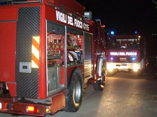 Crollo di un muro a Camerana sulla provinciale 111: intervento dei vigili del fuoco di Ceva