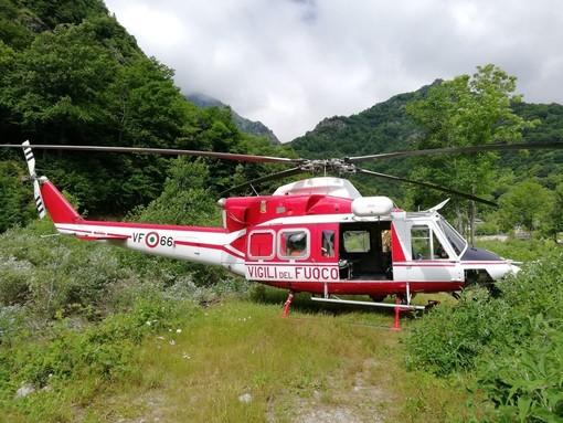 Due alpinisti bloccati a 3040 metri su Punta Roma: sta intervenendo il Saf dei vigili del fuoco con l'elicottero