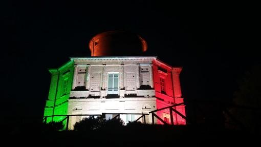 La Zizzola di Bra illuminata con il tricolore